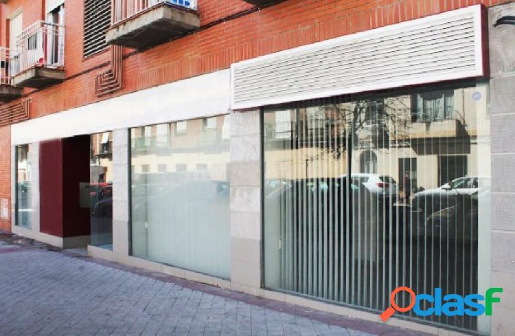 Oportunidad de banco. local comercial en venta próximo a cuatro caminos, madrid.
