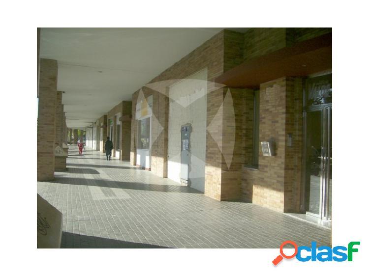 Local comercial en alquiler, zona valdepasillas, huerta rosales