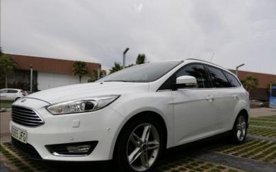 Ford focus 1.6tdci 115cv titanium sportback