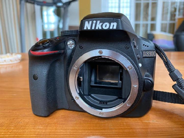 Nikon d3300 + 3 objetivos (tripode, bolsa, correa)