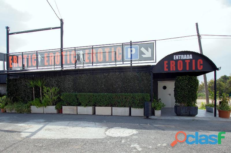 Se traspasa discoteca km y sala erotic en benidorm. gran oportunidad de negocio!