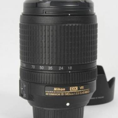 Objetivo nikon af-s nikkor 18-140mm f/3.5-5.6g...