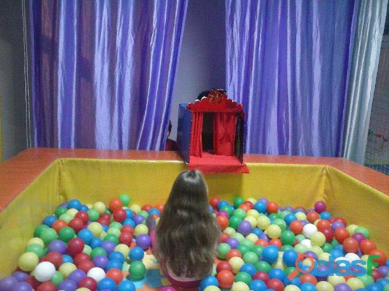 Se traspasa Ludoteca  parque de bolas totalmente equipado. dispone licencias de parque infantil y de 4