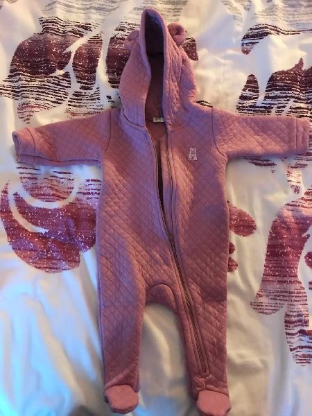 Abrigo benetton,tipo buzo de bebé, talla 50/56cm.