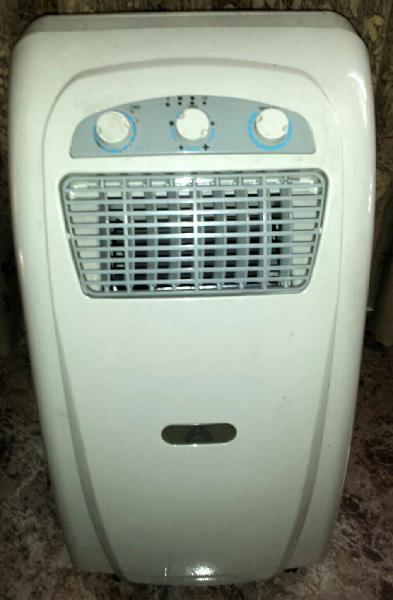 Aire acondicionado portátil 2.600 frigorias muy poco uso