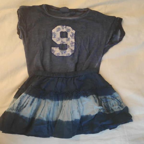 Conjunto camiseta falda tonos azules