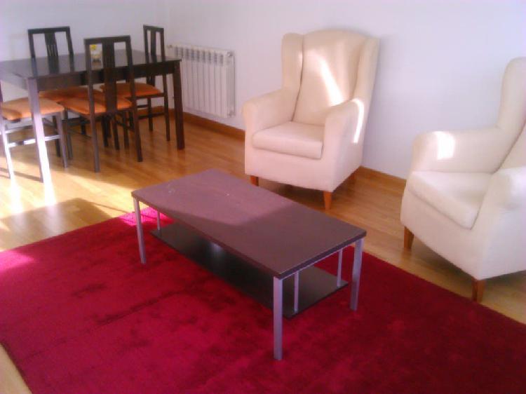 Mobiliario completo de salón.