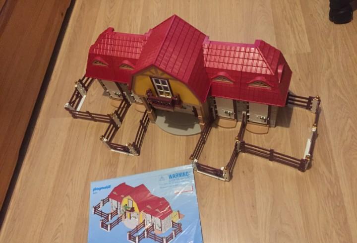 Granja playmobil establo caballos referencia 5221
