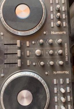 Numark dj mixtrack pro