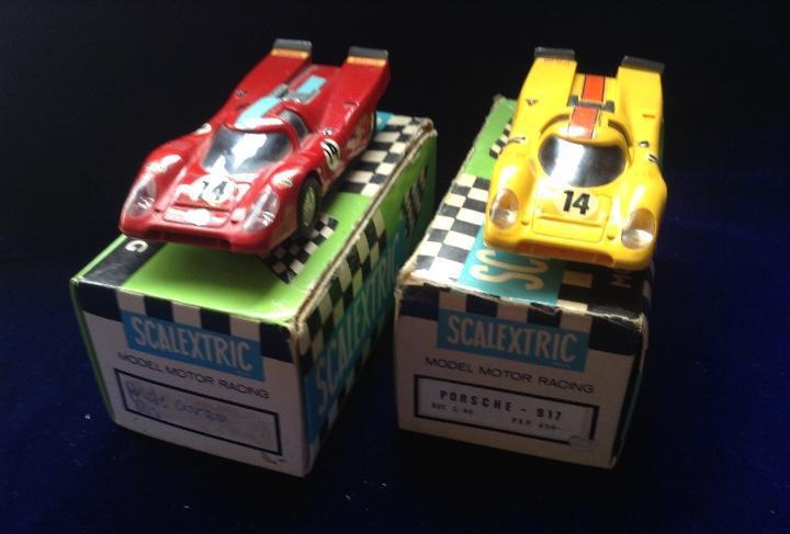 Scalextric porsche 917 dos unidades con caja rojo oscuro y