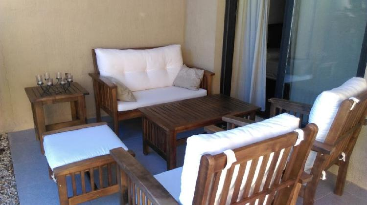 Conjunto sofás y mesas bajas para terraza ó jardín