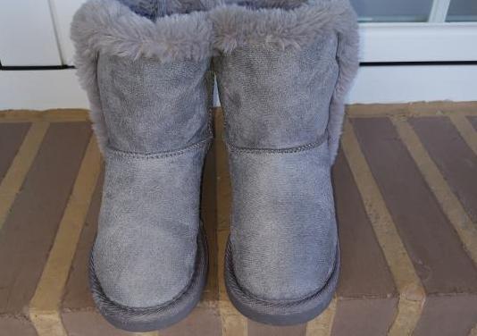 Lote botas australianas 32