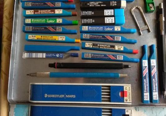 Lote de minas, portaminas y lápices