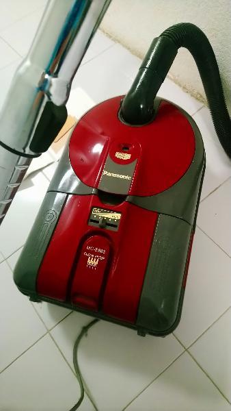 Aspiradora panasonic mc-e863