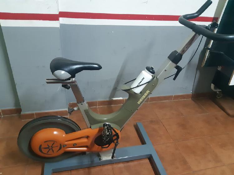Bicicleta estática prfesional
