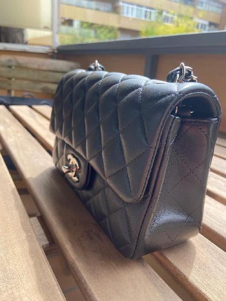 Chanel classic negro