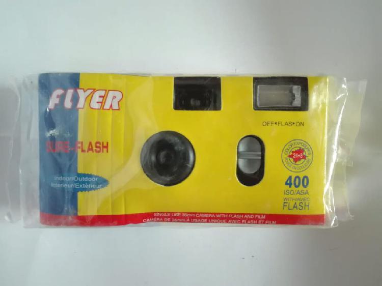 Cámara desechable con flash (flyer)