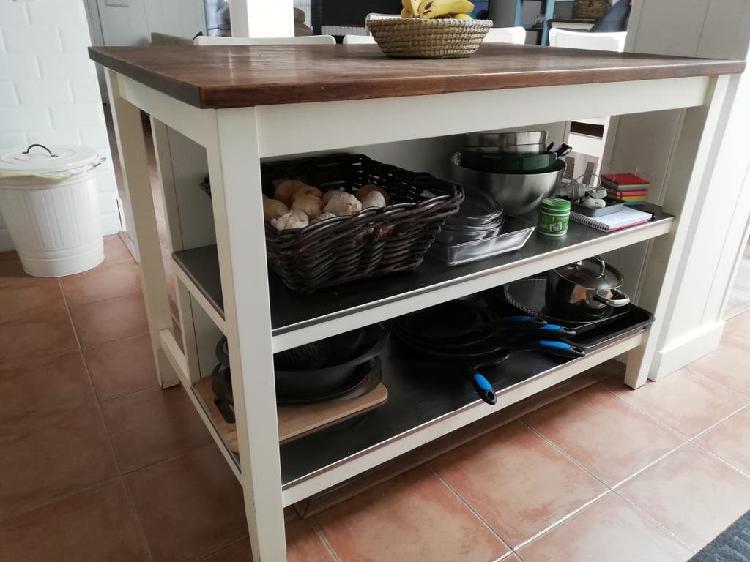 Isla de cocina y 2 taburetes