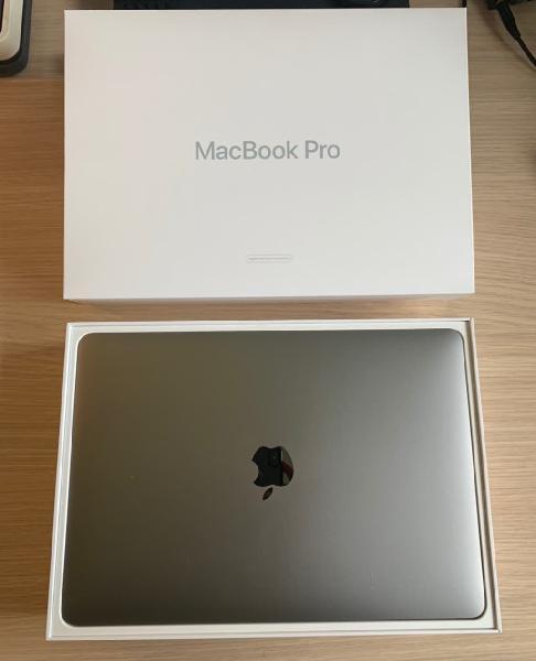Ordenador portátil apple macbook pro gris especial