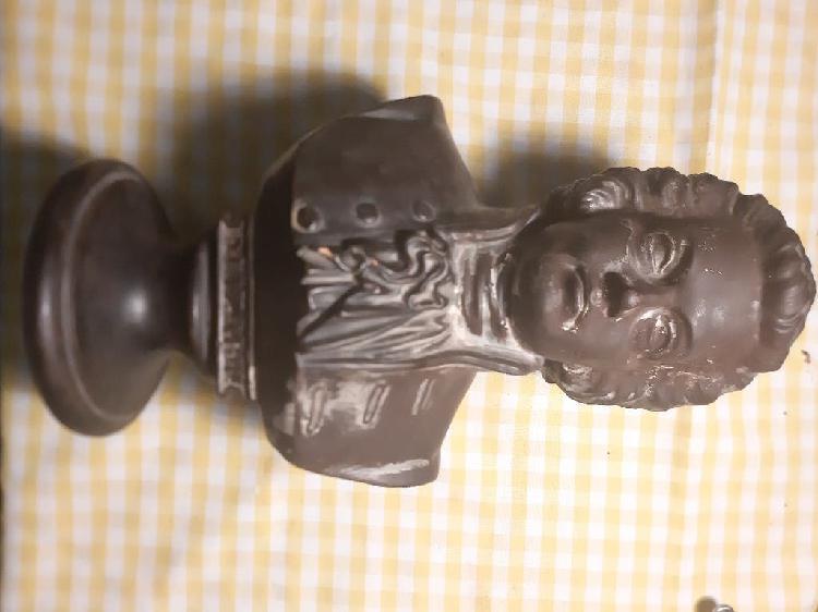 Pieza única de arte orfebre. mozart