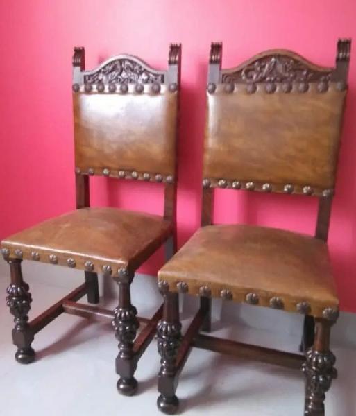 Sillas rusticas de madera maciza labrada