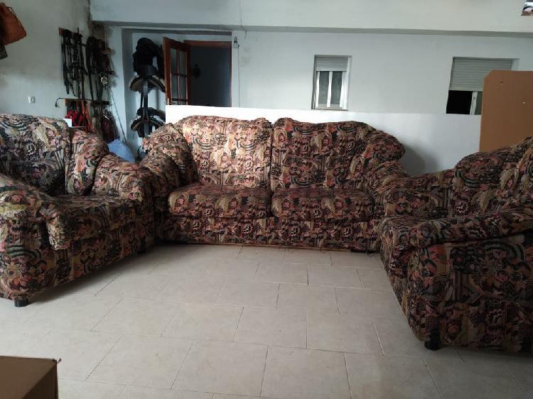 Sofá cama 3 plazas y dos sillones
