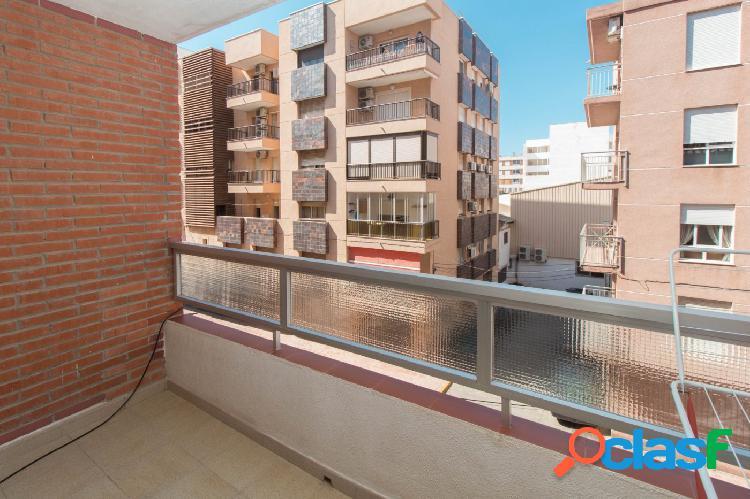 Ganga-apartamento de 2 dormitorios en zona acequión a escasos metros del mar