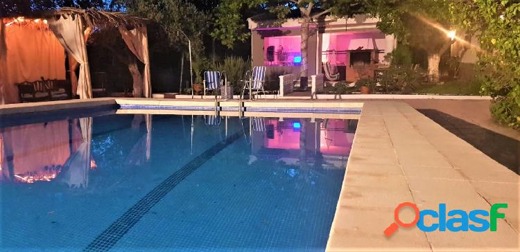 Chalet reformado de 3 dormitorios 2 baños, piscina ubicado en la sierra y a 7 min de yecla 1