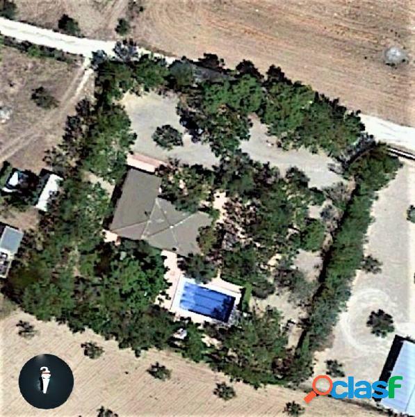 Chalet reformado de 3 dormitorios 2 baños, piscina ubicado en la sierra y a 7 min de yecla 3