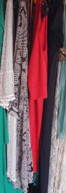 Lote de ropa variada para tiendas segunda mano