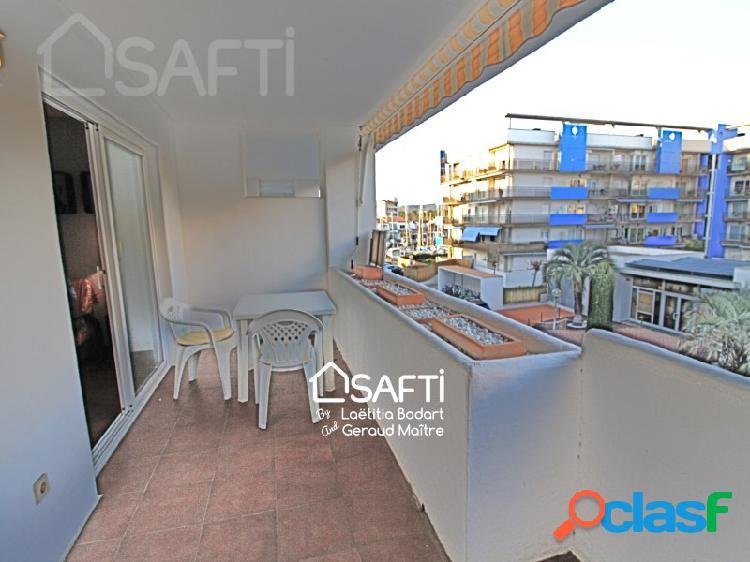Apartamento de 1 dormitorio, amplia terraza y piscina comunitaria en santa margarita, roses
