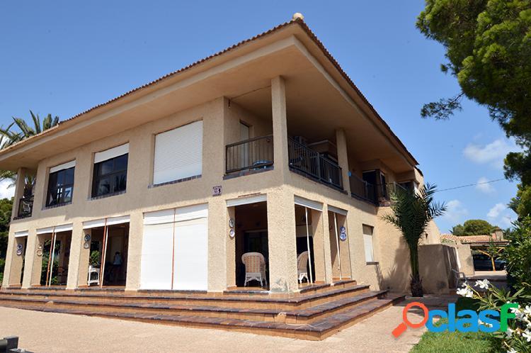 Villa en Cabo Roig en Primera 3