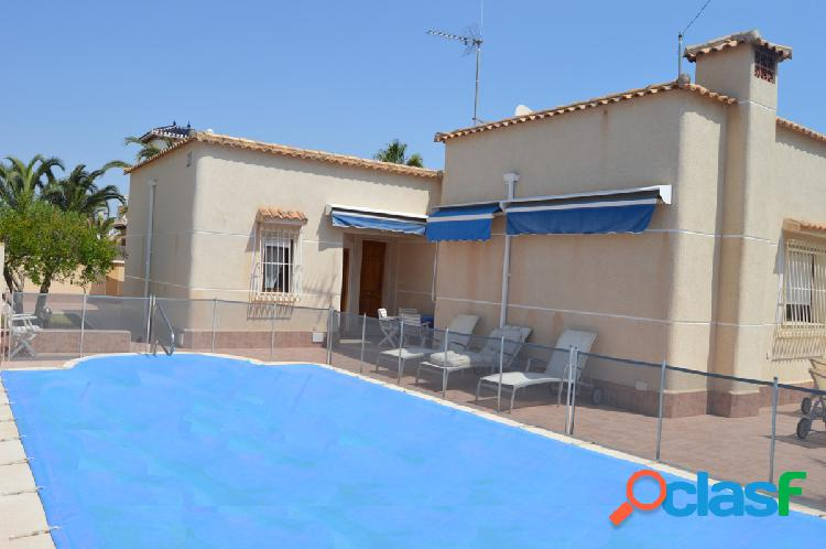 Villa en Cabo Roig todo en una 1