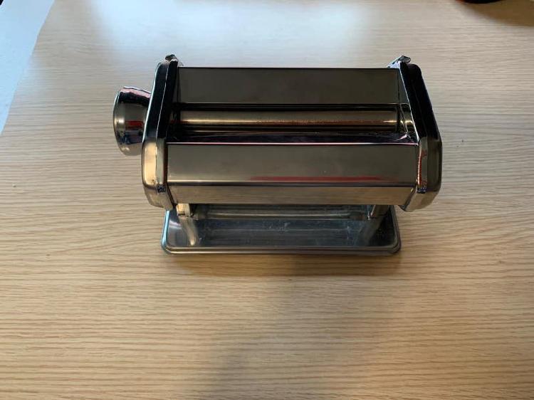 Máquina para hacer pasta + accesorios