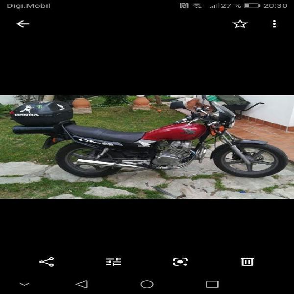 Honda cb 250 cc two fiffty bicilindrica