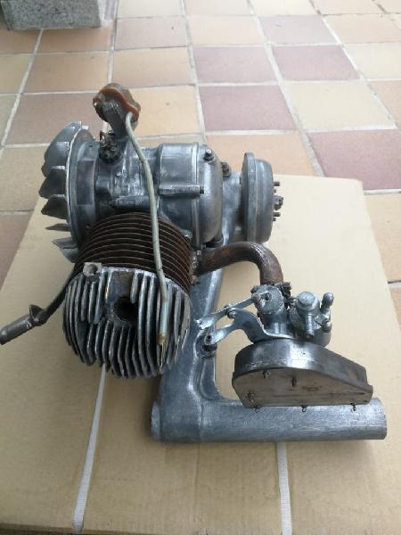 Motor vespa 125s