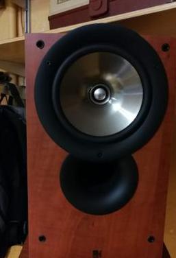 Columnas de sonido kef
