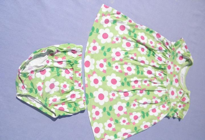 Conjunto vestido verde flores, para muñeca bebé o reborn
