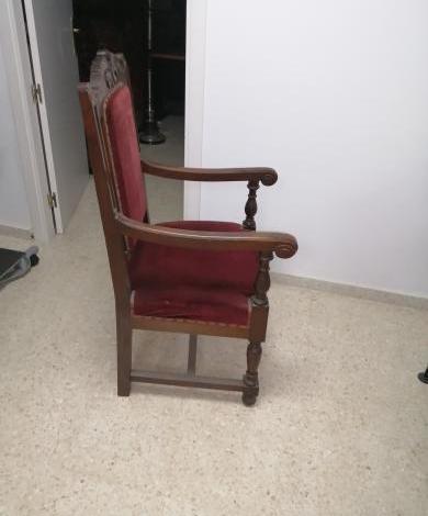 Juego de sillones de terciopelo y caoba