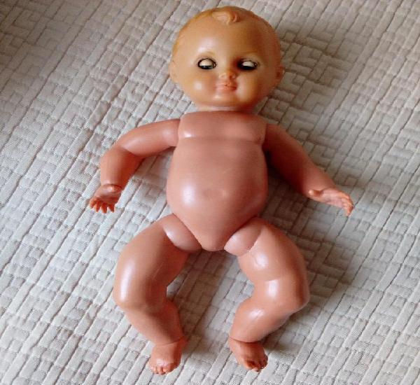 Muñeco articulado, cabeza de goma cuerpo plástico duro de