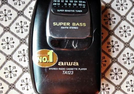 Walkman aiwa radio cassette stereo am/fm