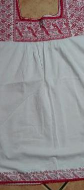 Blusa amplia de blanco. talla xl