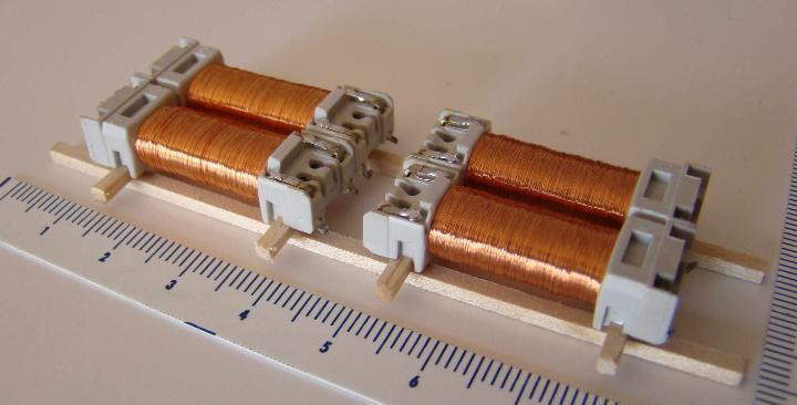 Carga con 4 rollos de cobre para decorar maquetas escala h0