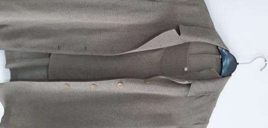 Conjunto verde (chaqueta top)
