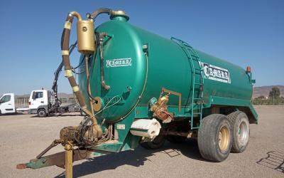 Cuba para tractor camara de 16.000 litros.