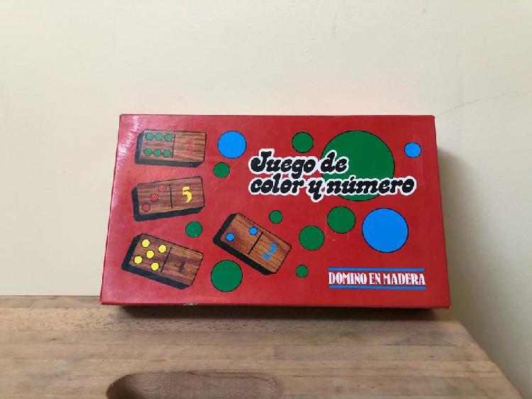 Dominó juego de números y colores