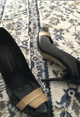 Zapatos de mujer en charol y tacón alto t39