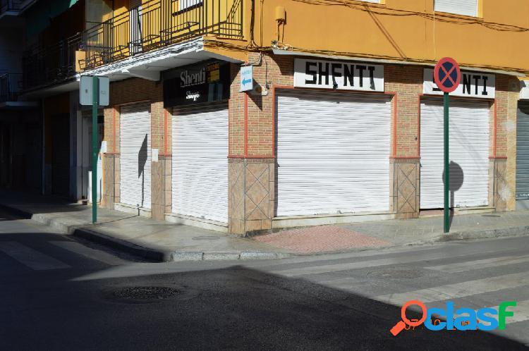 Local comercial en calle Óscar Romero, junto Avenida de Dílar. 1