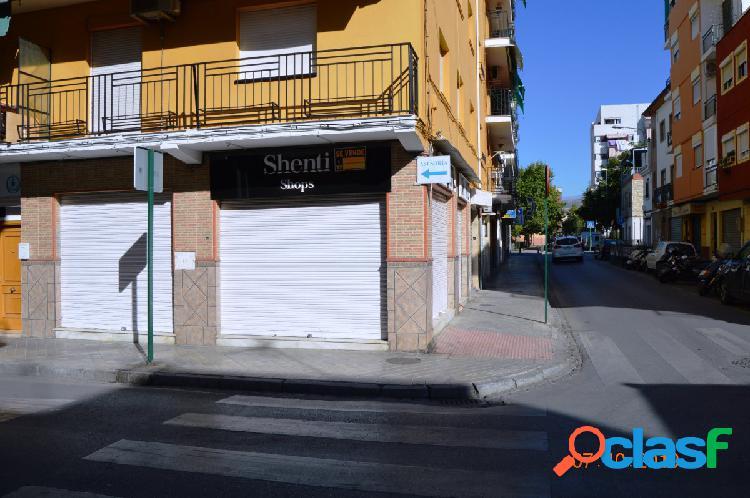 Local comercial en calle Óscar Romero, junto Avenida de Dílar. 2