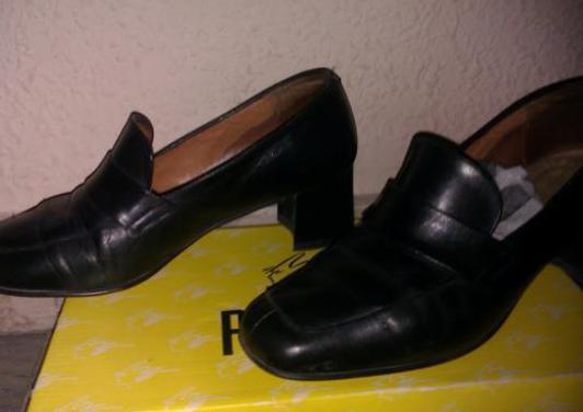 Zapatos negros piel con tacón-36